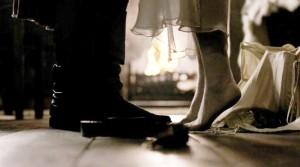 Jamie-Claire-Outlander-Feet-1024x573